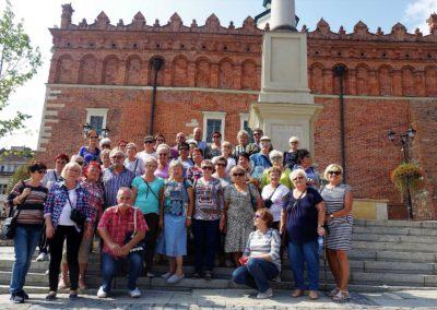 004 Grupowo pod Ratuszem w Sandomierzu1