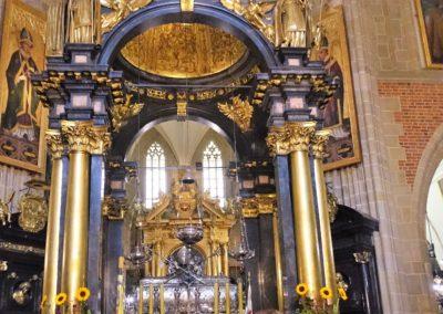 029 Ołtarz w katedrze