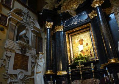 082 wnętrze kościoła