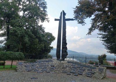 330c Pomnik Synom Ziemi Sanockiej Poległym i Pomordowanym za Polskę