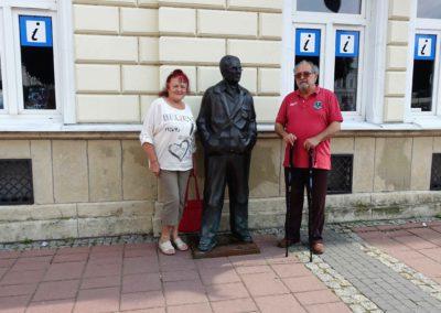 333a Pomnik Zdzisława Beksińskiego na Rynku w Sanoku