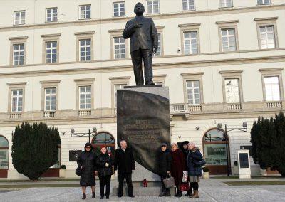 027b pomnik L.Kaczyńskiego
