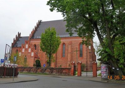 002. Kościół parafialny p.w. św. Stanisława Biskupa