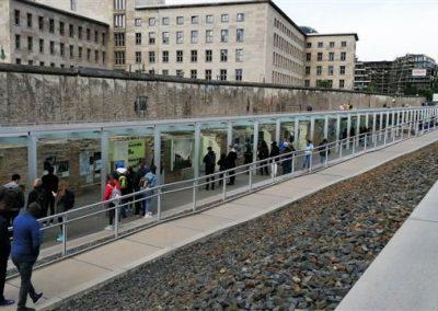05-Fragmenty Muru Berlińskiego1